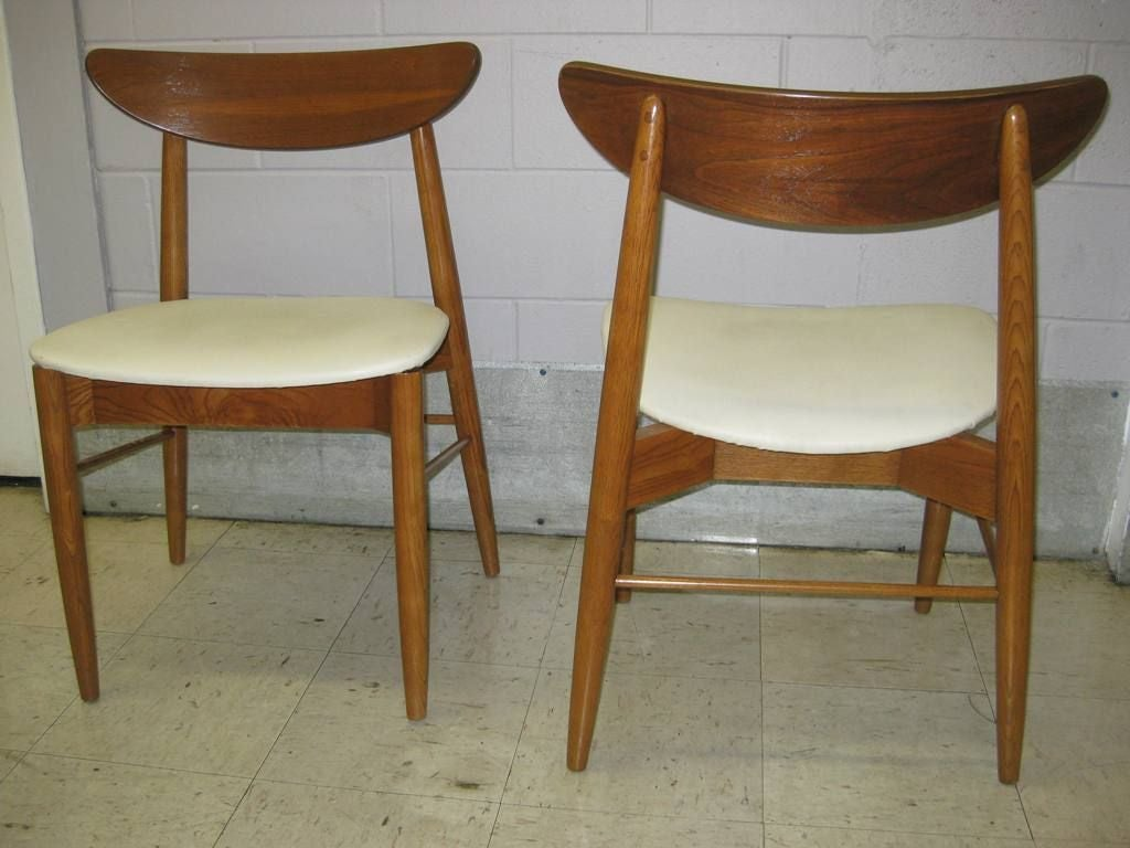 very comfortable set of 10 mid century modern dining chairs at 1stdibs