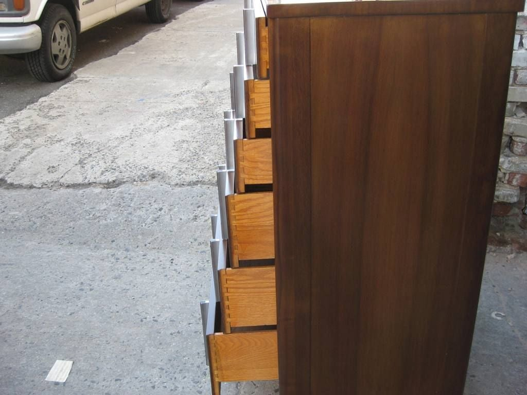 Tall John Widdicomb Chest of Six Drawers High Boy In Good Condition For Sale In Bronx, NY