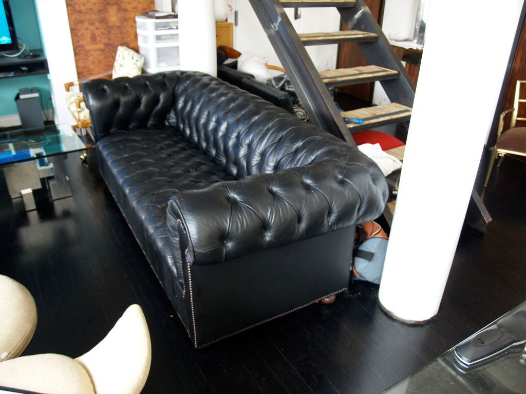 1960 39 s black leather chesterfield sofa couch at 1stdibs. Black Bedroom Furniture Sets. Home Design Ideas