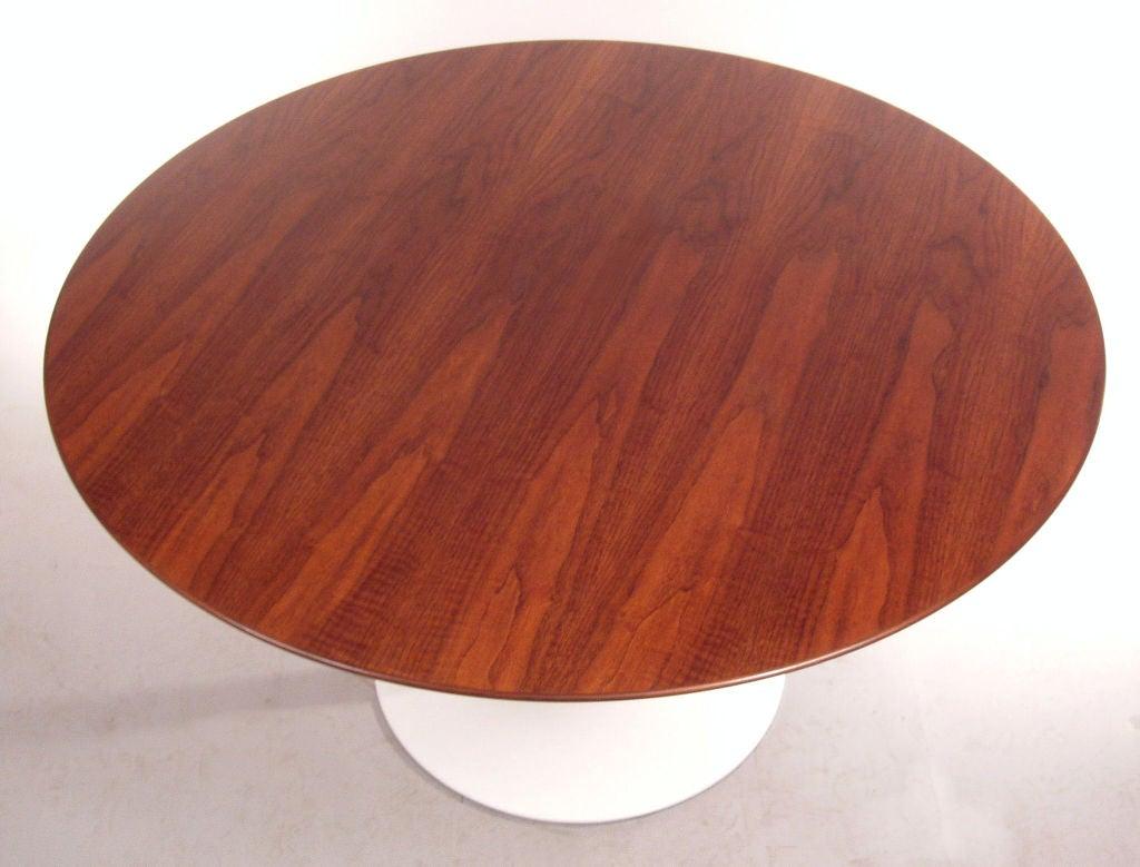 "Vintage Knoll Saarinen 54"" Round Walnut Dining Table at 1stdibs"