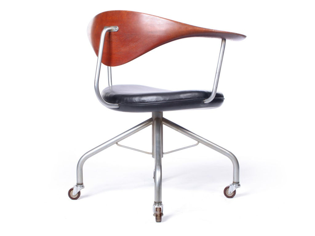 The Swivel Chair By Hans J Wegner For Sale At 1stdibs