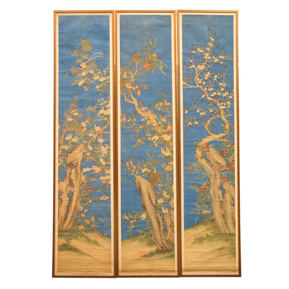 Exquisite Wall Coverings From China: A Very Fine Set Of Three Chinese Painted Silk Panels At