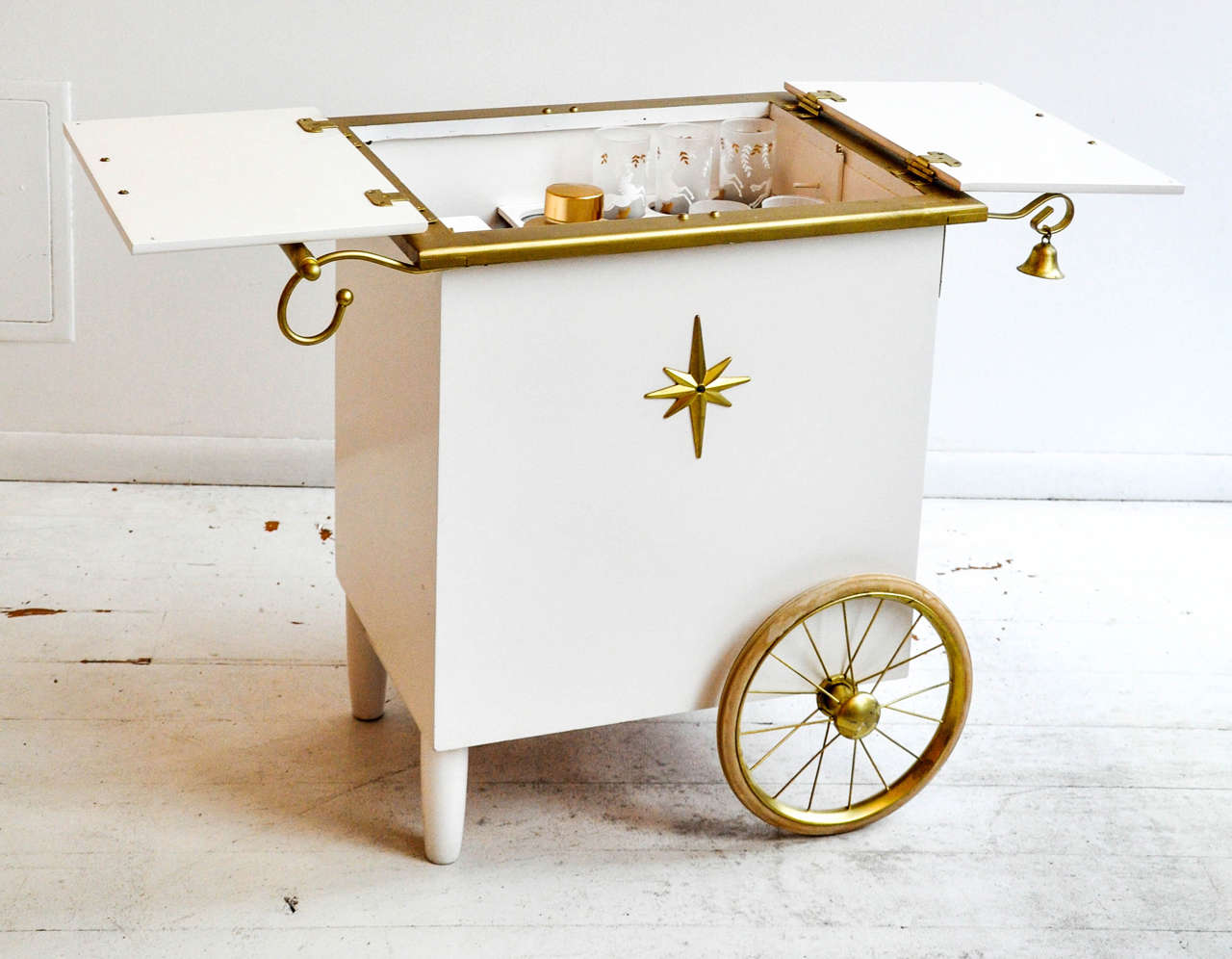 Vintage Ice Cream Style Bar Cart 8