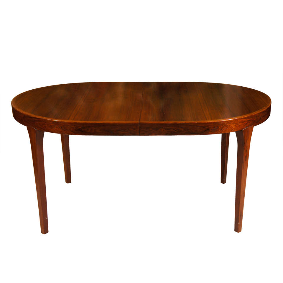 Oval danish modern dining table at 1stdibs for Modern dining room tables