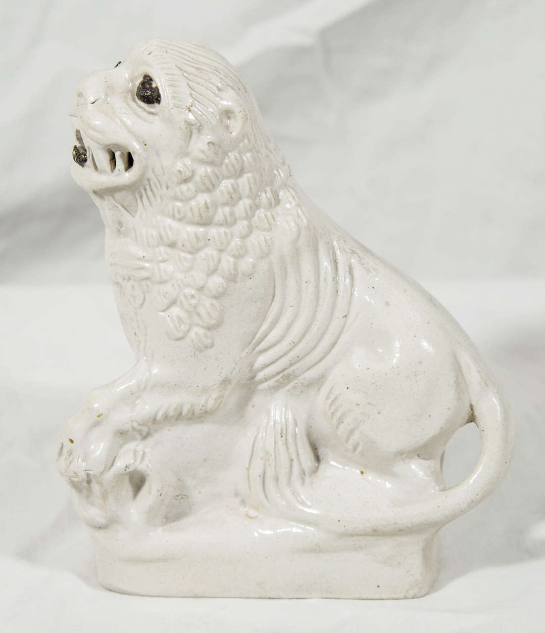 English Salt Glazed Pottery  Lion Mid-18th Century Made circa 1760 In Excellent Condition For Sale In Katonah, NY