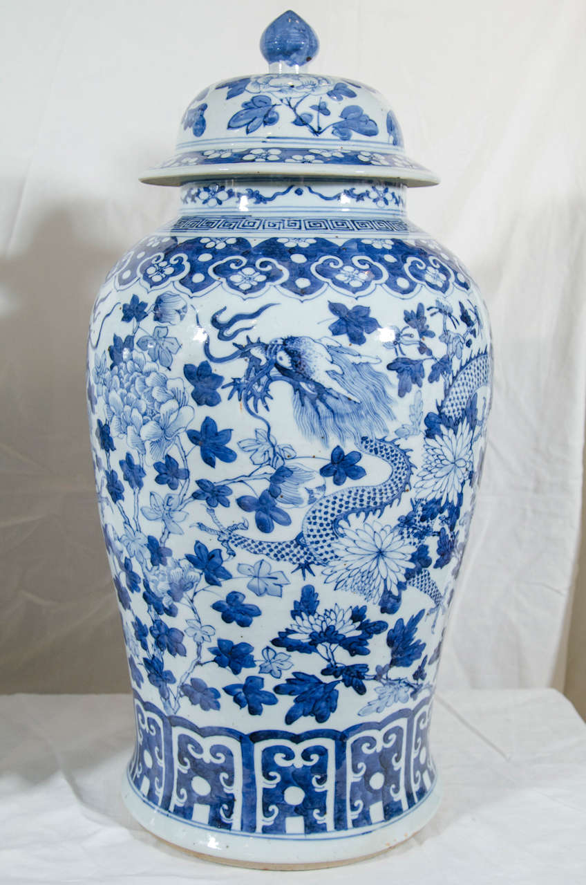 Pair of large blue and white chinese porcelain vases with dragons qing pair of large blue and white chinese porcelain vases with dragons for sale reviewsmspy
