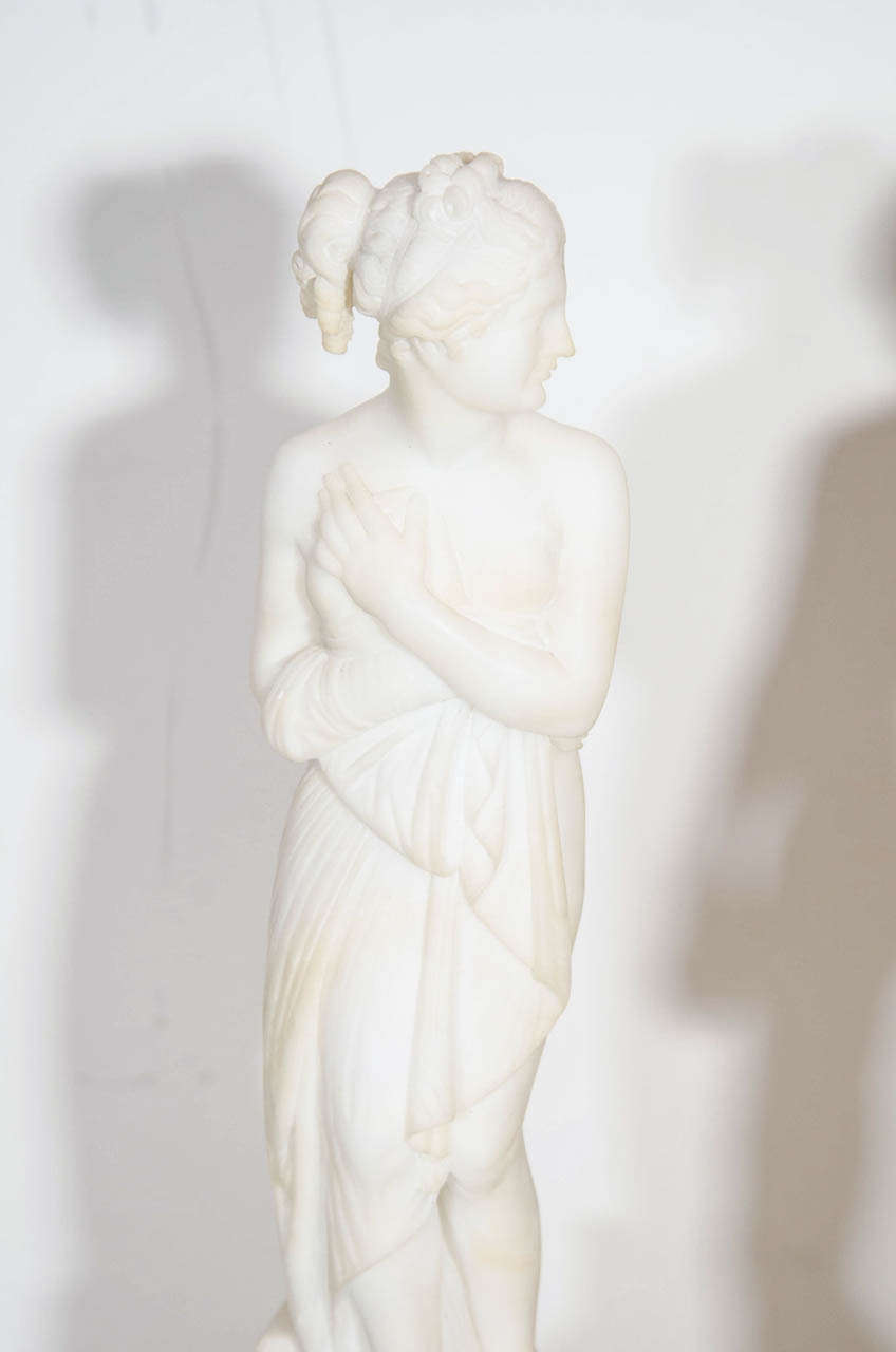 Pair of Antique Italian Neoclassical Alabaster Figures on Bases In Good Condition For Sale In New York, NY