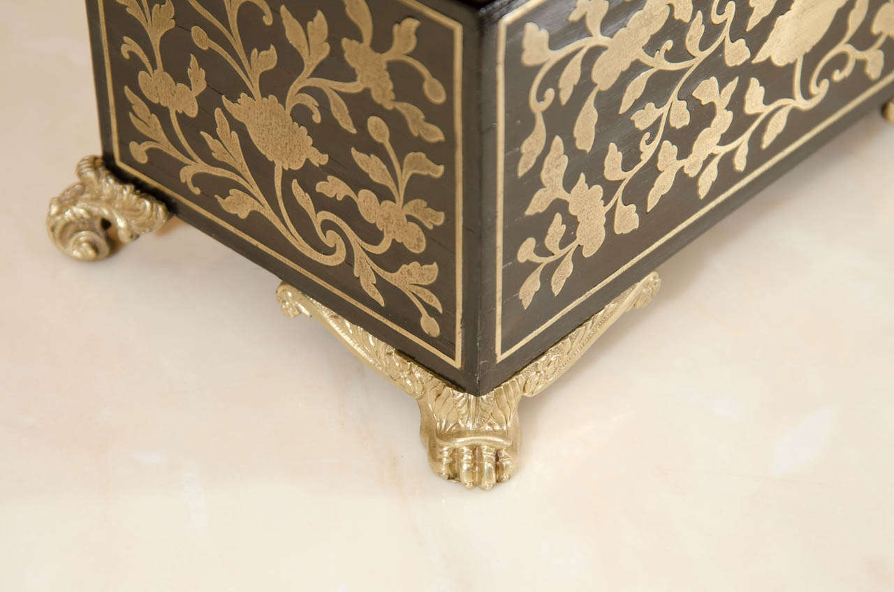 Fine Regency Brass Inlaid Tea Caddy In Excellent Condition For Sale In New York, NY