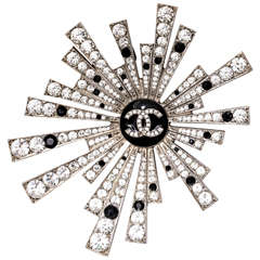 Chanel Star Brooch or Pendant