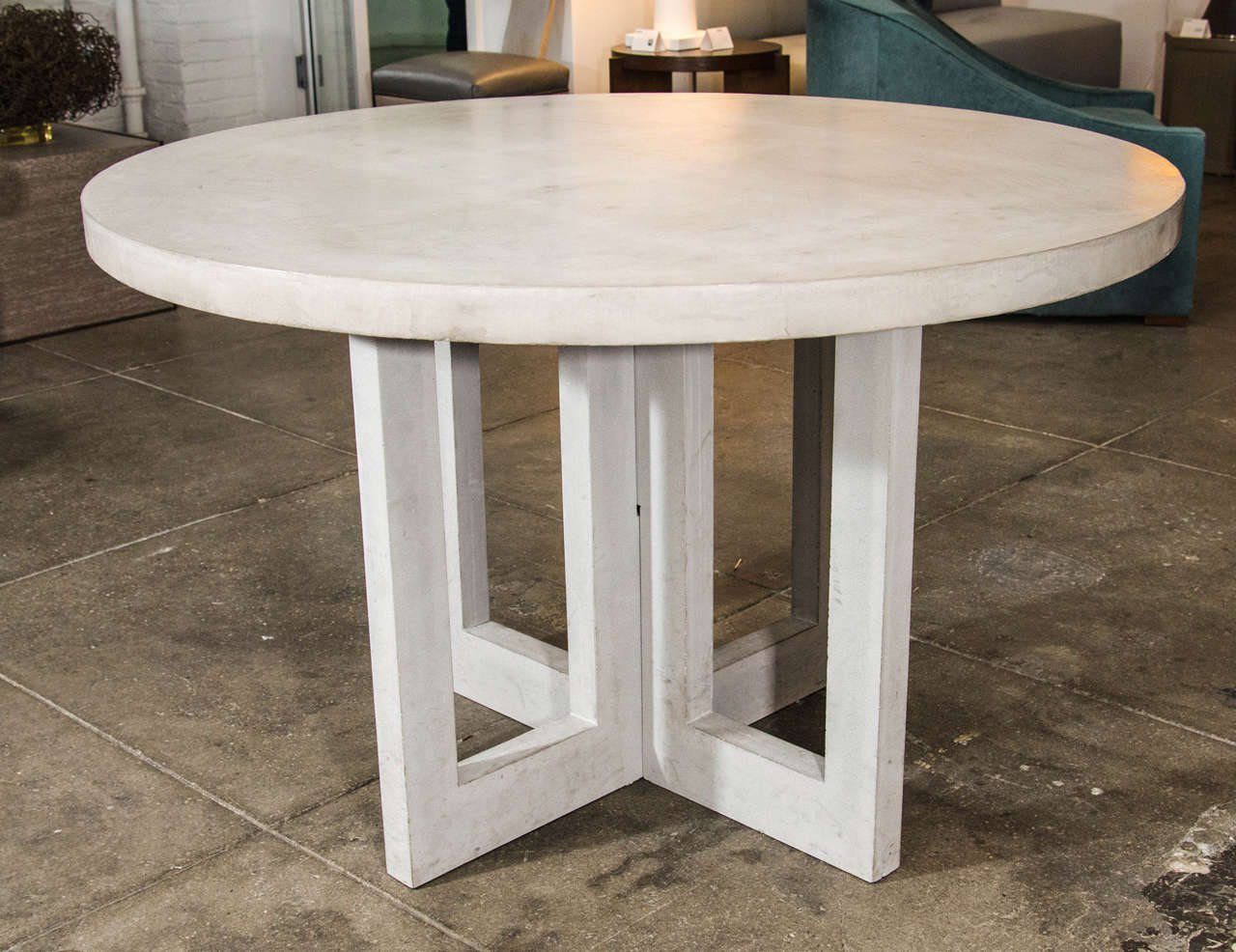 dalton concrete dining table at 1stdibs. Black Bedroom Furniture Sets. Home Design Ideas
