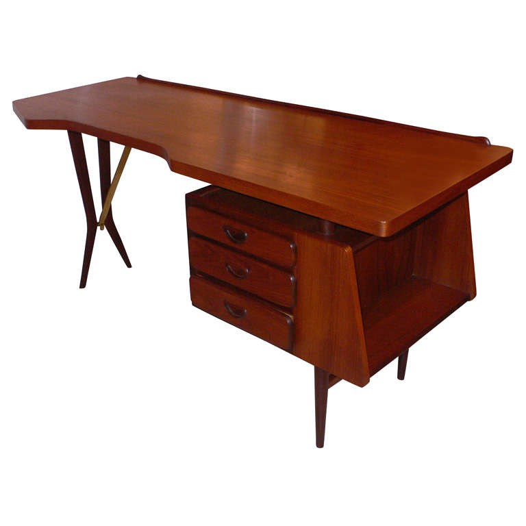 1958 Scandinavian Desk by W233b233 Desk at 1stdibs : xP1120511 from 1stdibs.com size 768 x 768 jpeg 28kB