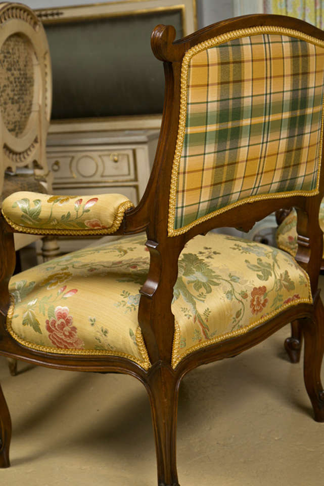 Pair of French Rococo Style Walnut Armchairs image 7