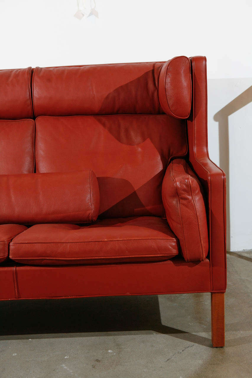 Pair of Børge Mogensen Two-Seat Coupé Sofas In Good Condition For Sale In Los Angeles, CA