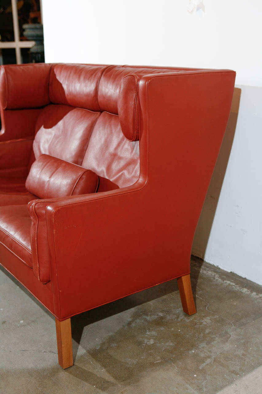 Late 20th Century Pair of Børge Mogensen Two-Seat Coupé Sofas For Sale