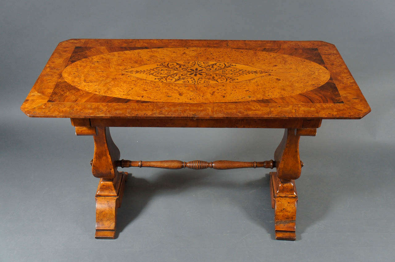Biedermeier desk with burl and inlay. Single drawer with key.