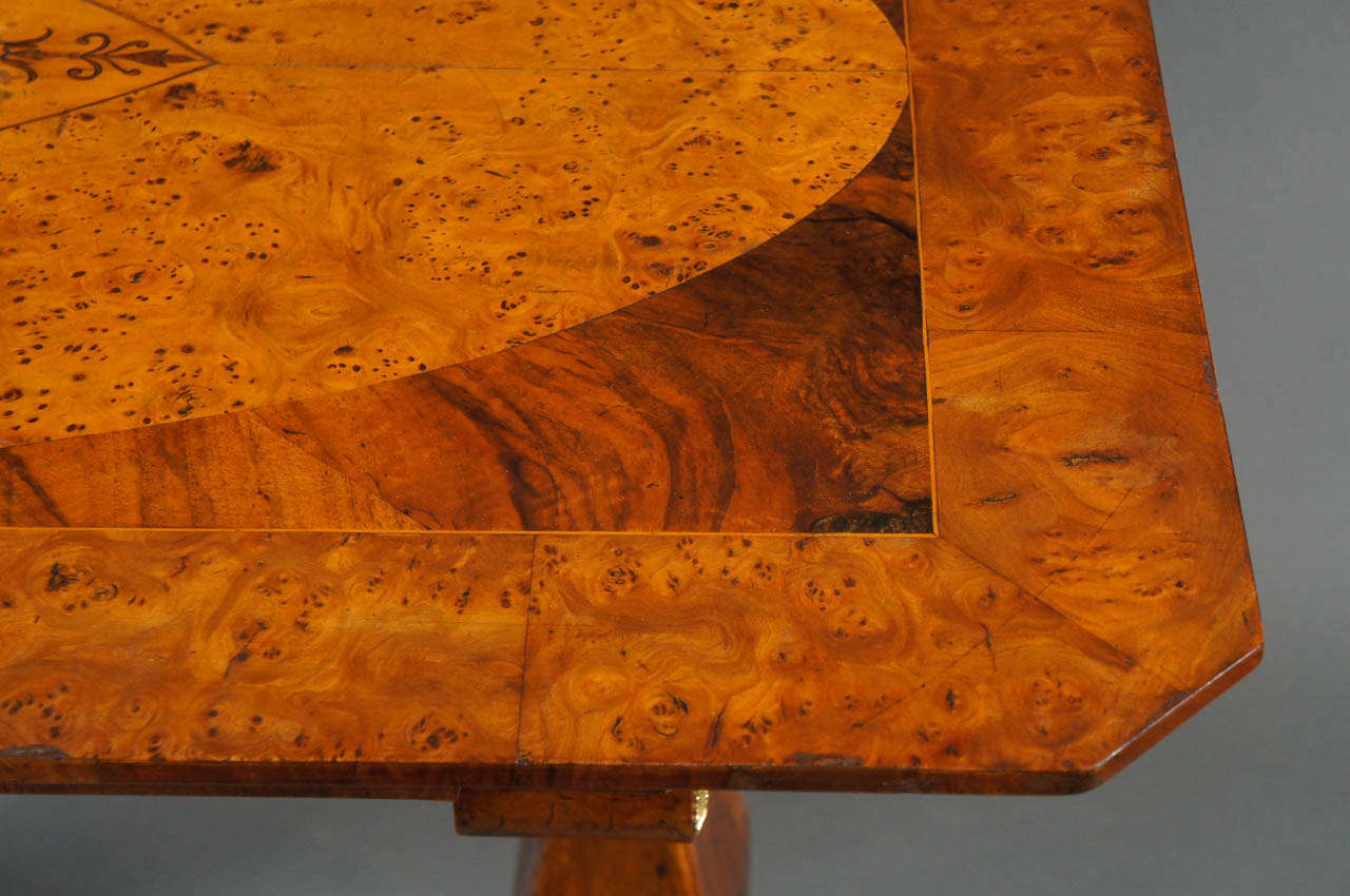 Biedermeier Desk with Burl and Inlay For Sale 1