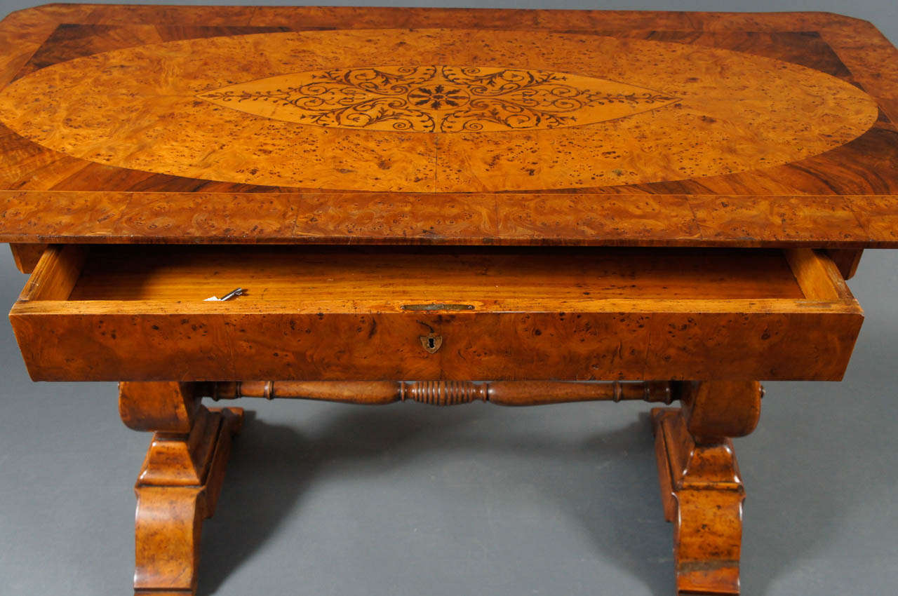 Biedermeier Desk with Burl and Inlay For Sale 2