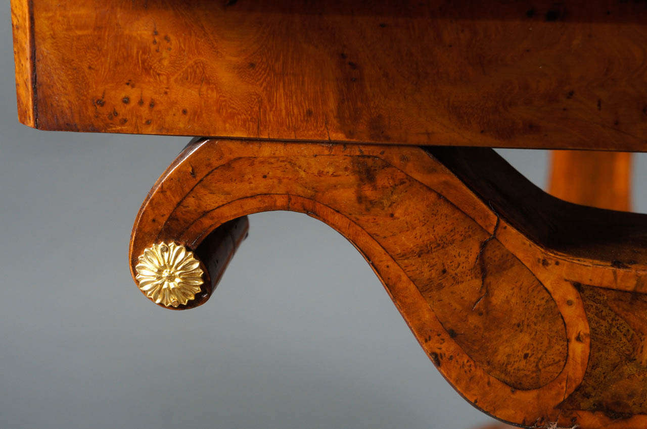 Biedermeier Desk with Burl and Inlay For Sale 6