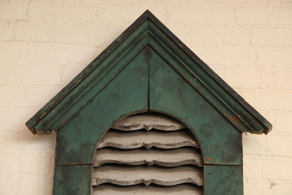 Architectural Wood Vent. In Good Condition For Sale In New York, NY