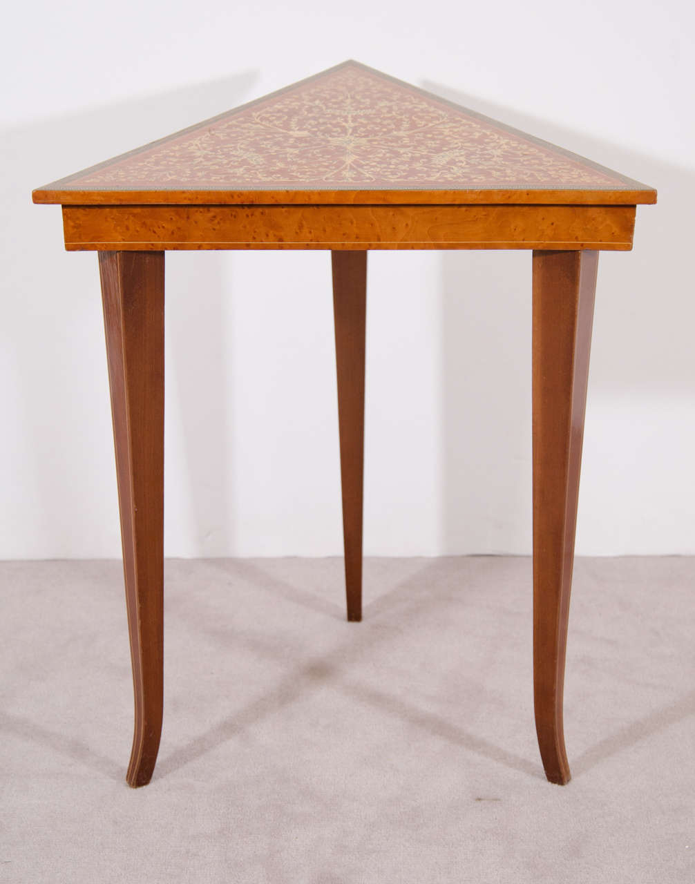 20th Century Set Of Venetian Satinwood Stacking Tables