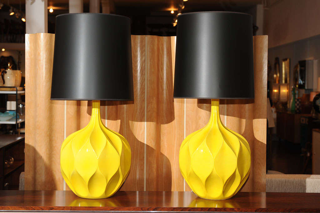 Pair of Gorgeous Yellow Lamps 7