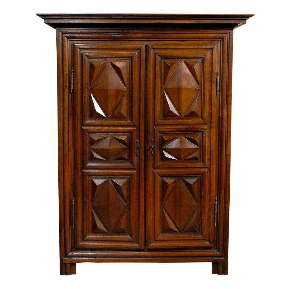 18th century louis xiii french armoire at 1stdibs. Black Bedroom Furniture Sets. Home Design Ideas