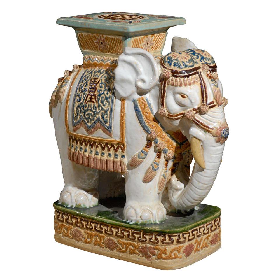 Good Vintage Elephant Garden Seat 1