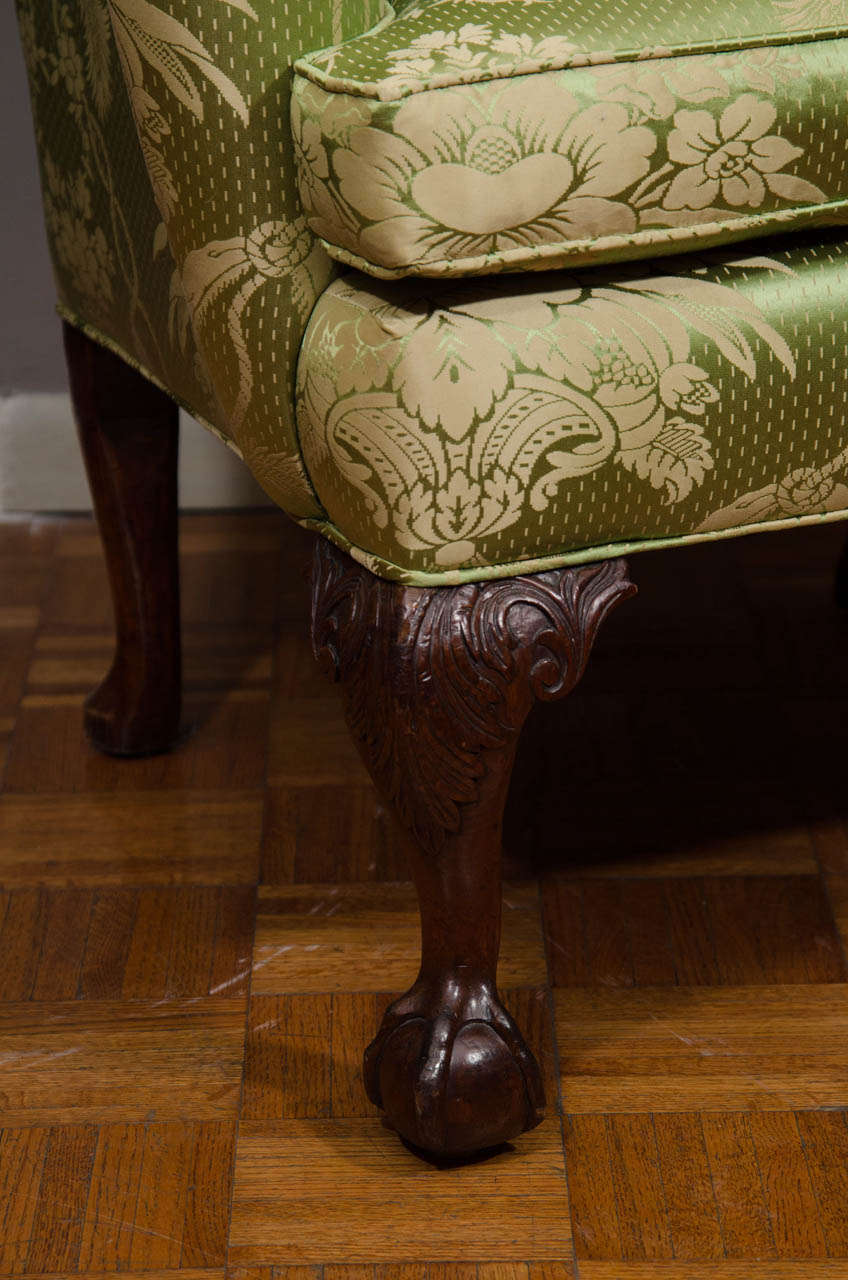 18th Century Walnut Wing Chair In Excellent Condition For Sale In New York, NY