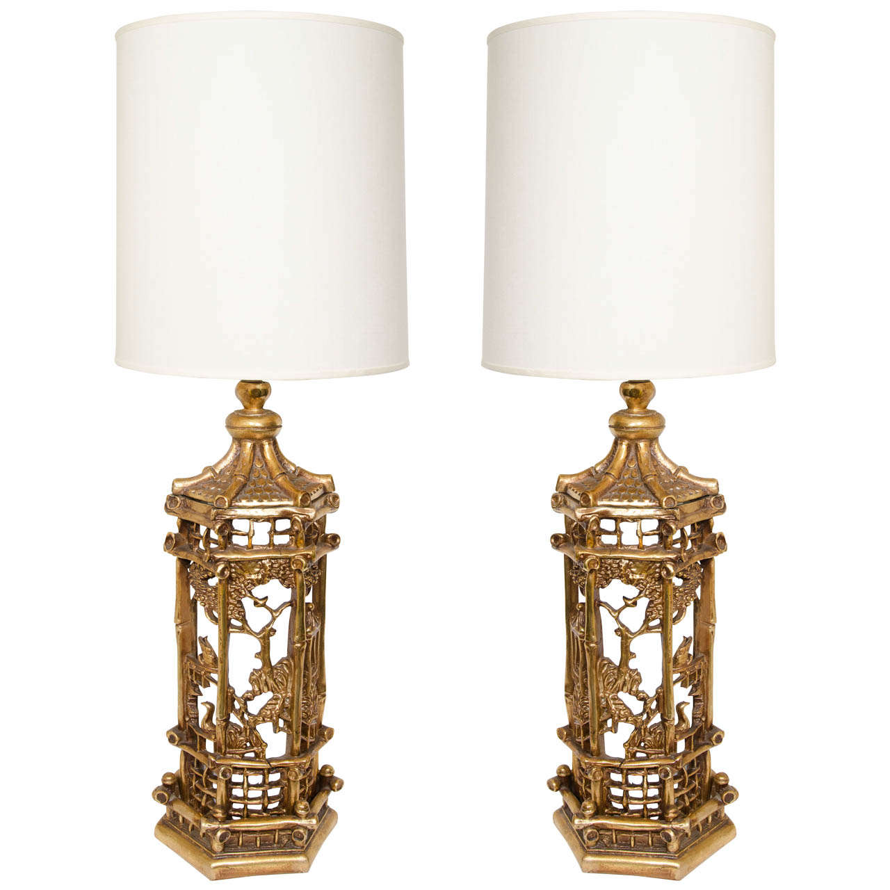 Beautiful Pair Of Exceptional Gilt Chinoiserie Lamps In The Manner Of James Mont For  Sale