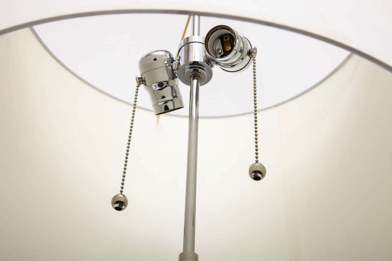 Table Lamp American Modernist Lucite and Bakelite, 1930s For Sale 4