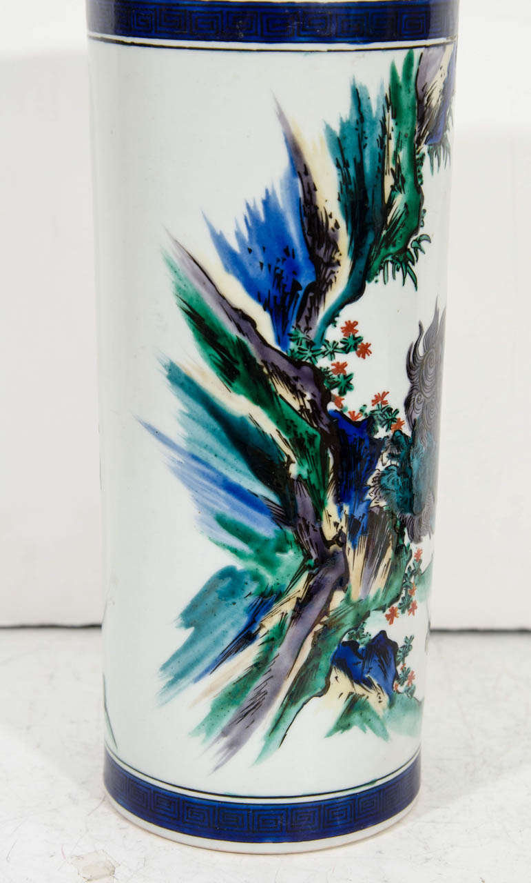 Mid-Century Decorative Ceramic Japanese Vase In Good Condition For Sale In New York, NY