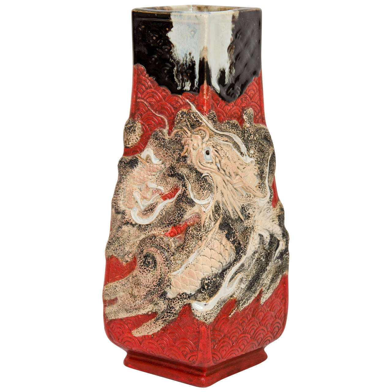A vintage ceramic japanese vase with raised dragon for sale at 1stdibs a vintage ceramic japanese vase with raised dragon for sale reviewsmspy