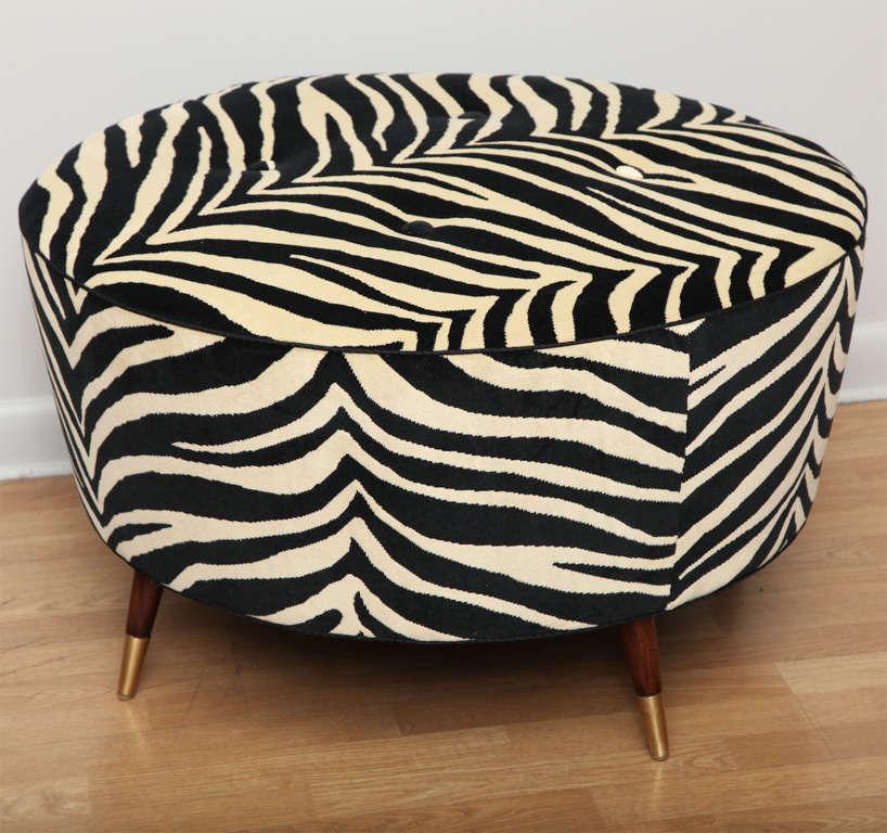art deco zebra pouf at 1stdibs. Black Bedroom Furniture Sets. Home Design Ideas