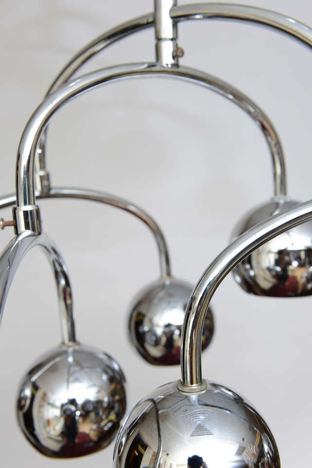 Robert Sonneman Seven-Light Chrome Tiered Chandelier For Sale 1