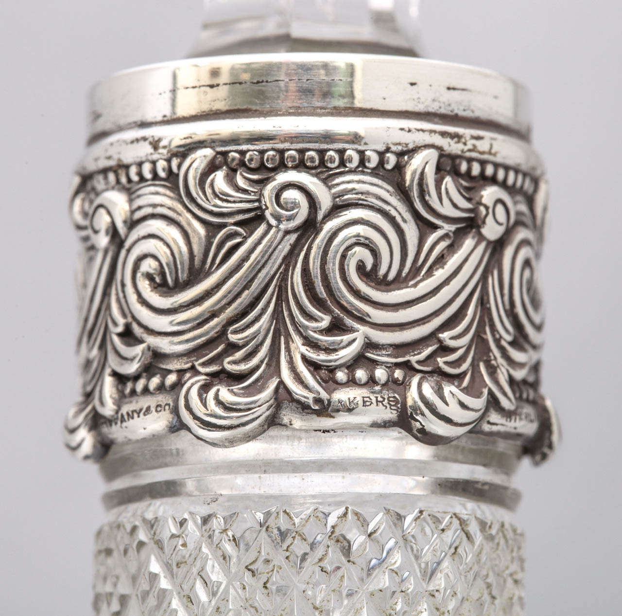 Very Rare Tall Sterling Silver-Mounted Tiffany & Co. Decanter For Sale 2
