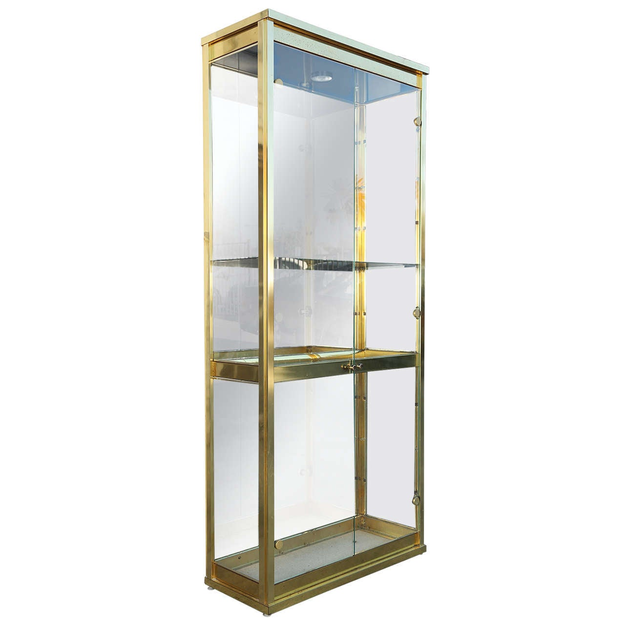 mid century brass and glass mastercraft display cabinet at. Black Bedroom Furniture Sets. Home Design Ideas