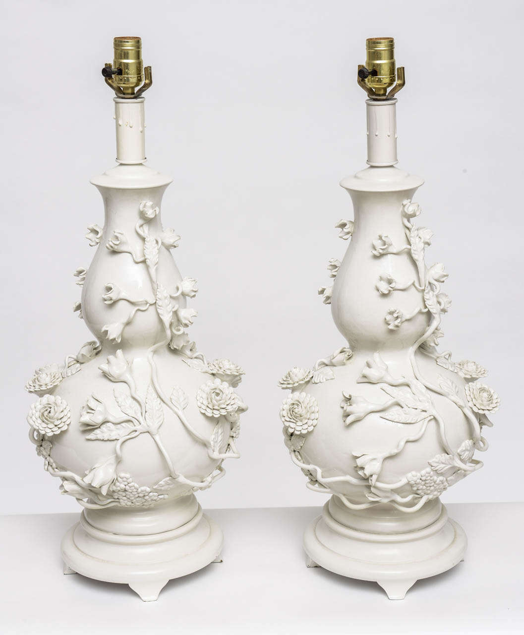 Pair of large blanc de chine porcelain table lamps at 1stdibs for Table de chine