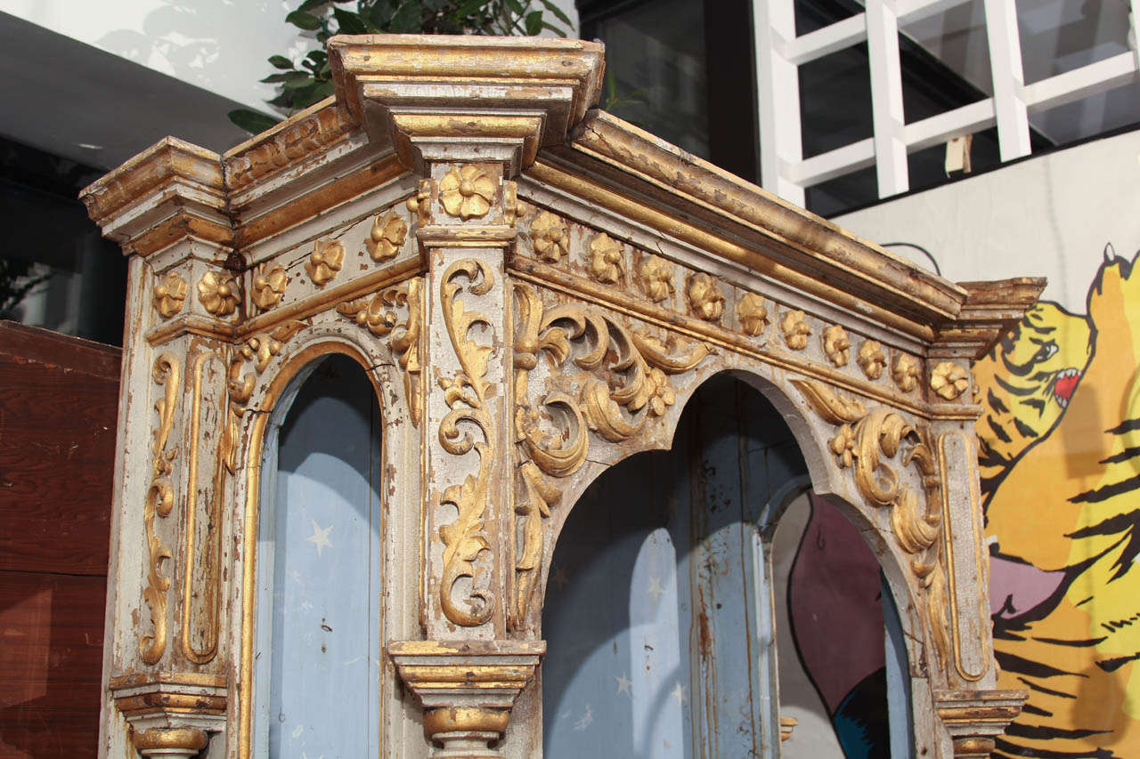 Pair of Niches In Distressed Condition For Sale In Seattle, WA