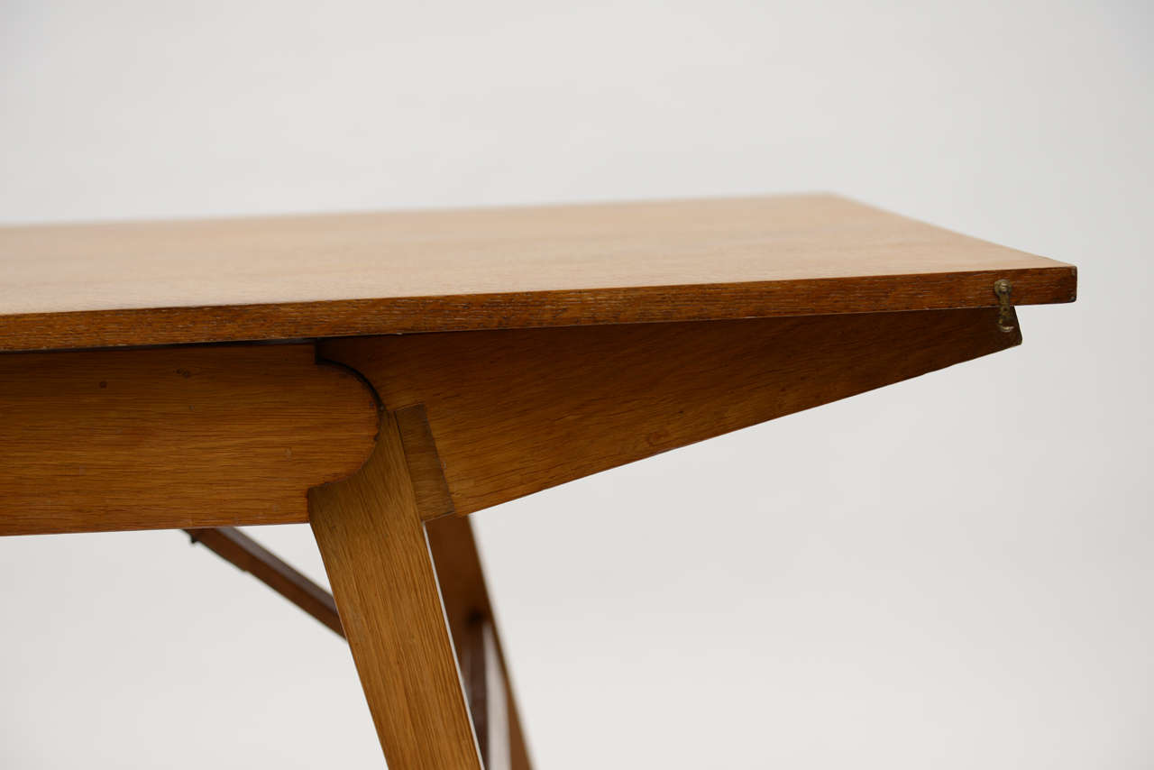 French Oak Collapsible Desk/ Cocktail Table In Excellent Condition For Sale In East Hampton, NY