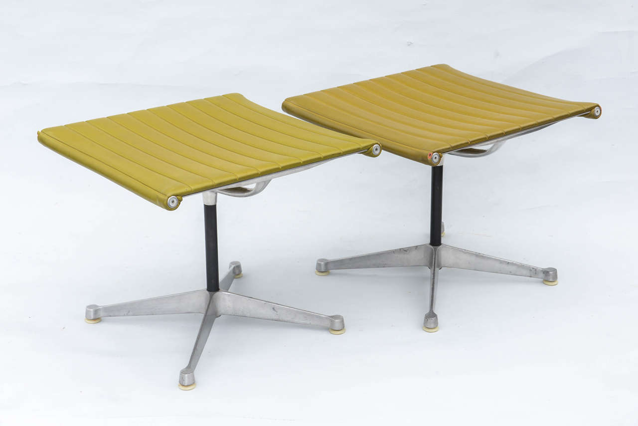 Pair of Herman Miller Stools at 1stdibs