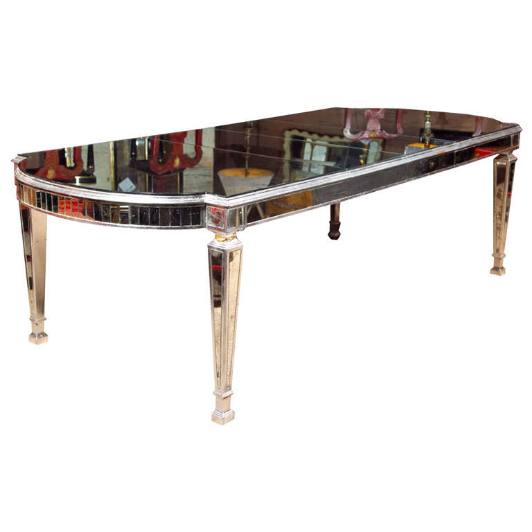 Vintage mirrored dining table at 1stdibs for Dining room tables 1940s