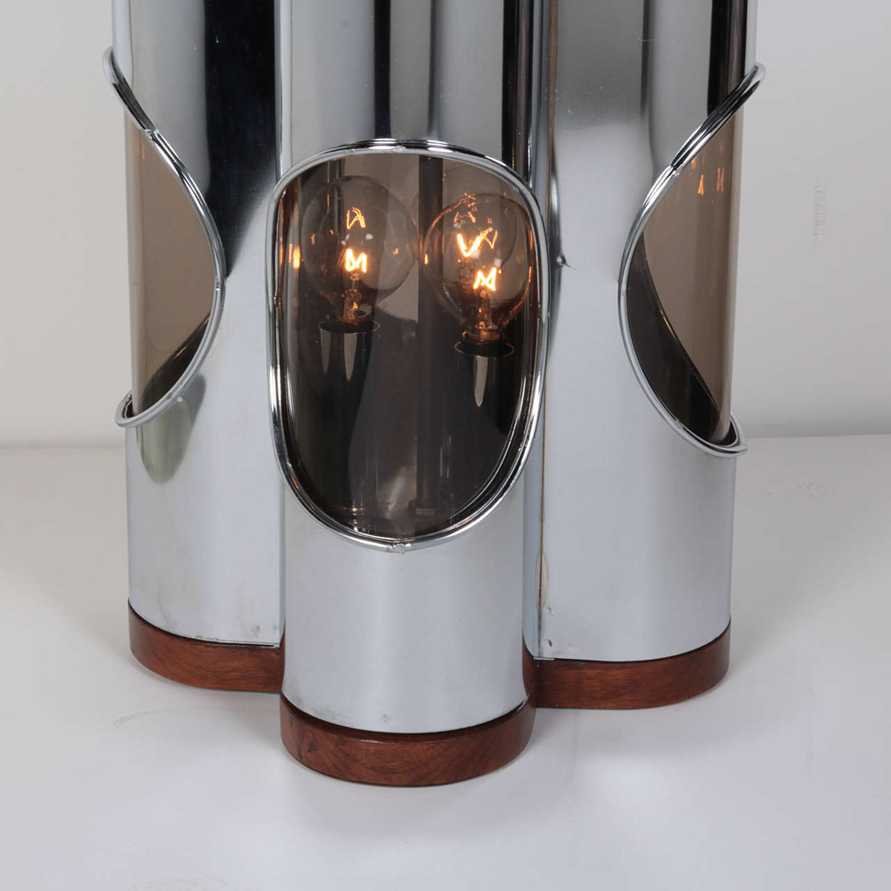 Pair of Sculptural Hollywood Regency Lamps by Laurel In Excellent Condition For Sale In Stamford, CT