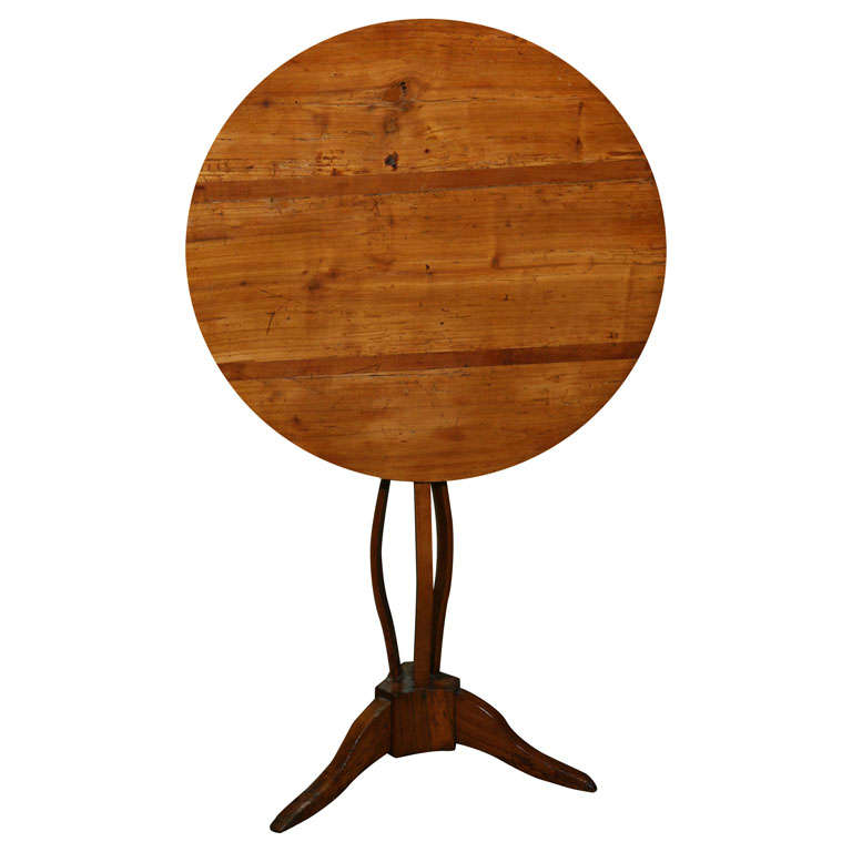 Early 19th century Itailan Fruit wood Tilt top table