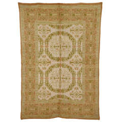 Cuenca Rug with Renaissance Wreath Pattern