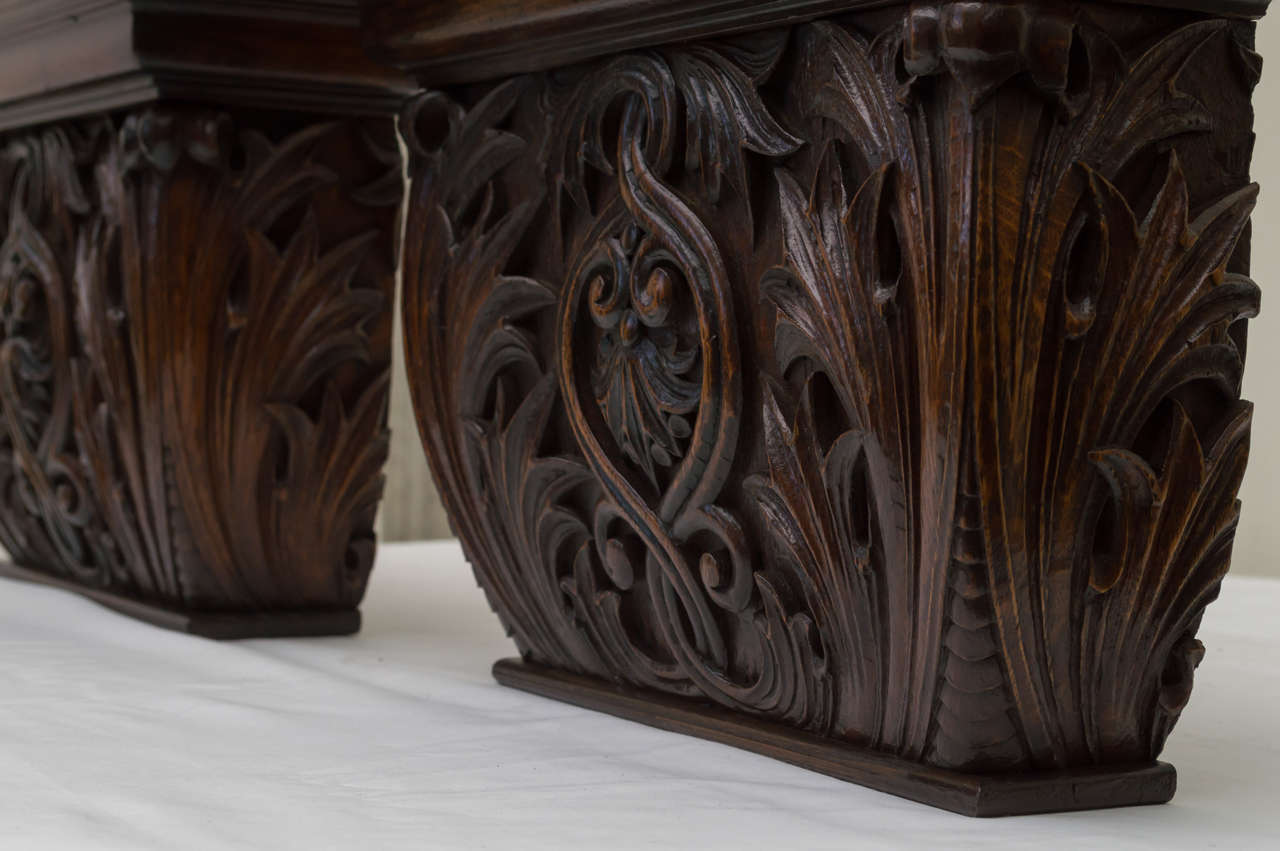 Pair of Late 19th Century American Oak Wall Brackets For Sale 1