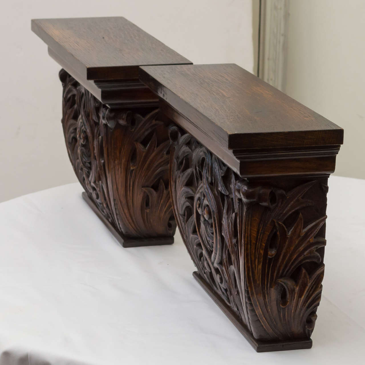 Pair of Late 19th Century American Oak Wall Brackets For Sale 3