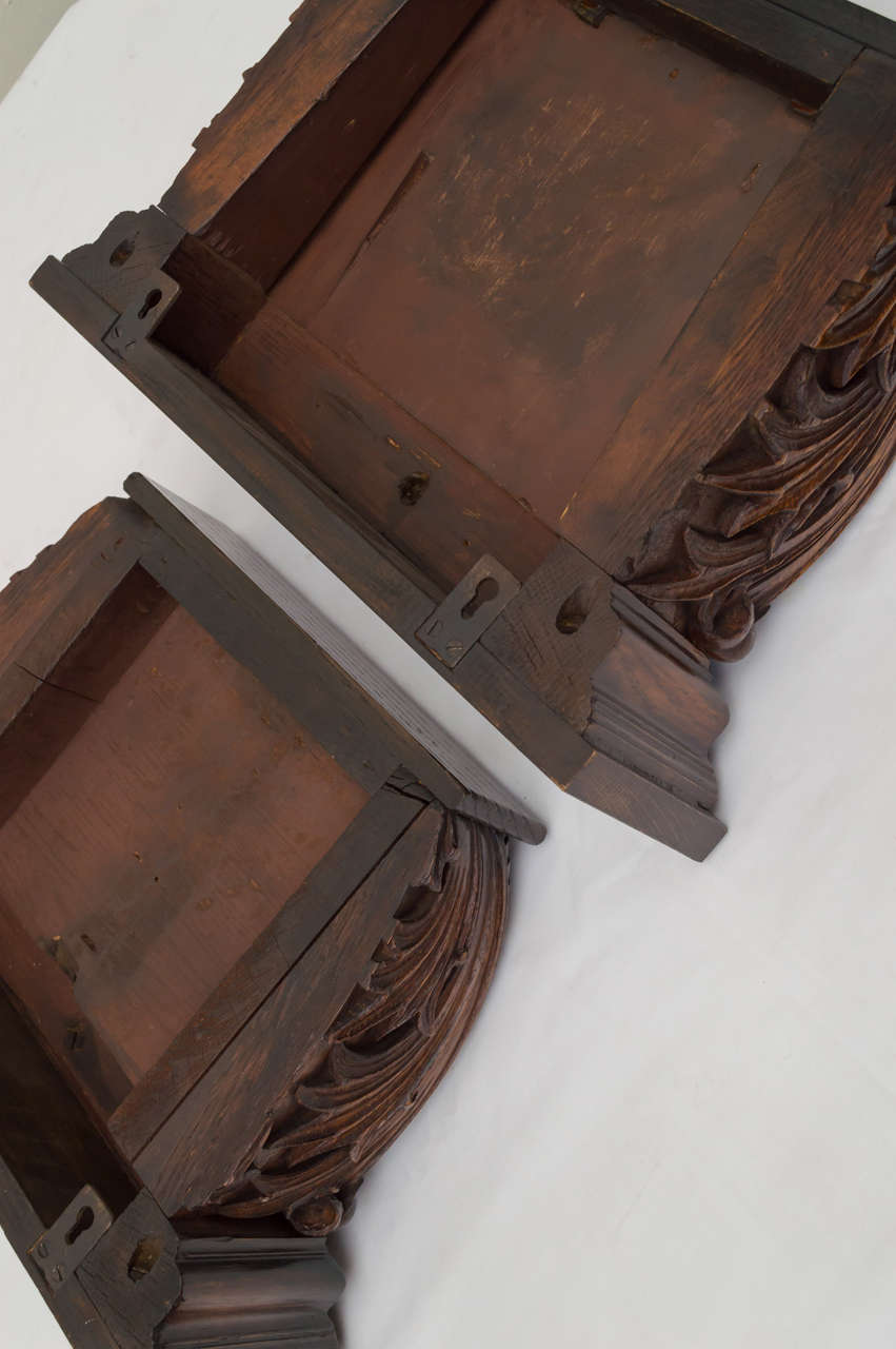 Pair of Late 19th Century American Oak Wall Brackets For Sale 4