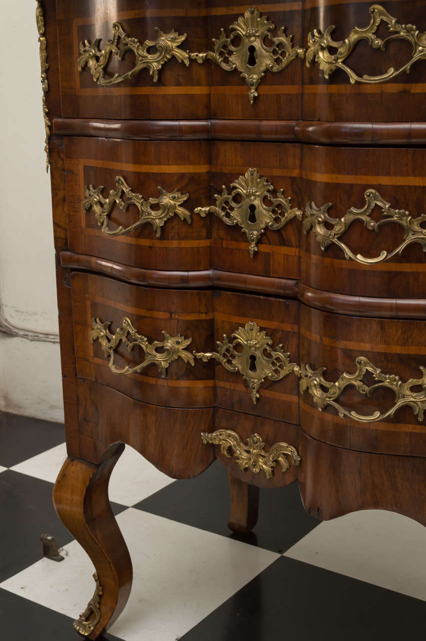 Diminutive 18th Century German Walnut Rococo Commode For Sale 1
