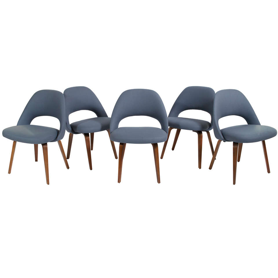this five eero saarinen executive chairs for knoll is no longer