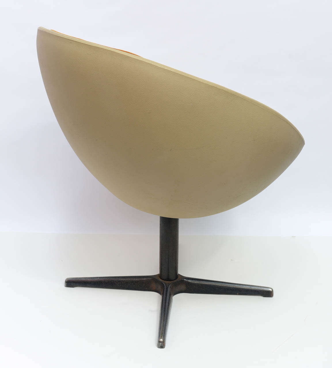 1960s Ball Egg Swivel Chair at 1stdibs
